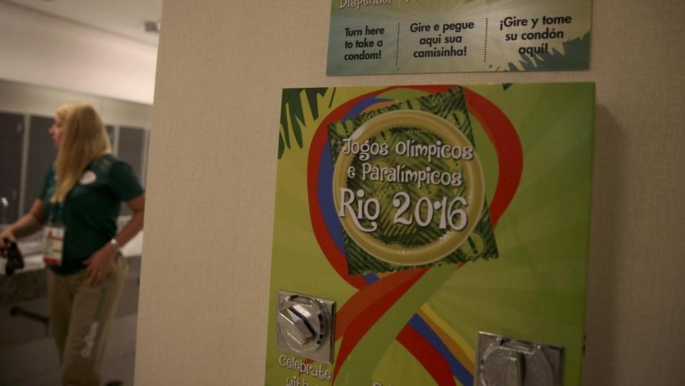 Boom di sesso al Villaggio olimpico: condom intasano fogna