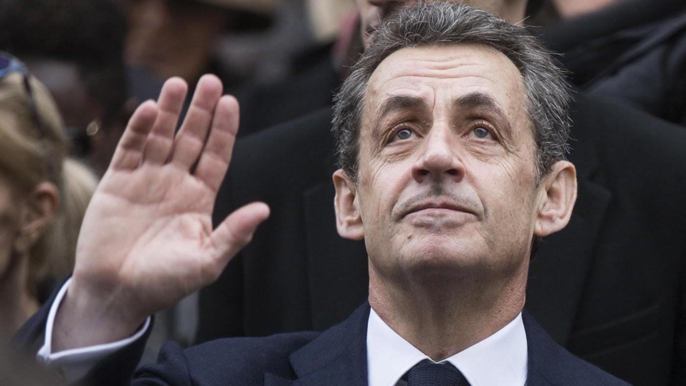 Francia, l'ex presidente Sarkozy si candida per il 2017