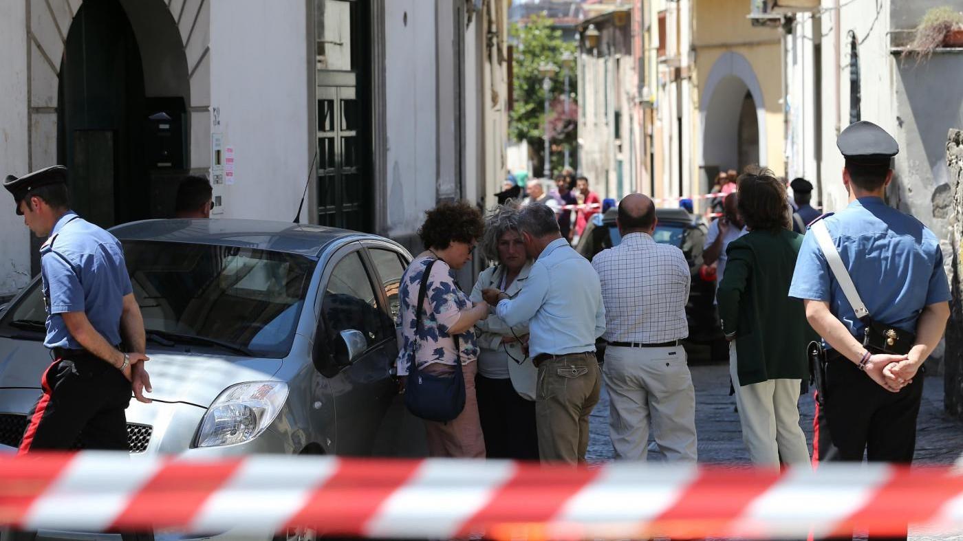 Sassari, 63enne accoltella madre anziana e poi tenta suicidio