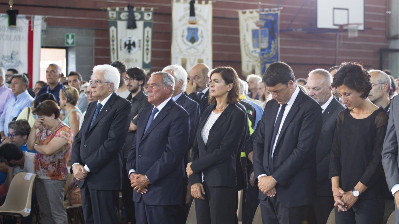 Terremoto, è il giorno del lutto nazionale. Il vescovo: Le campane torneranno a suonare