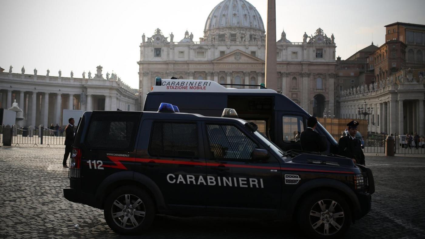 Roma, lite finisce a colpi di machete
