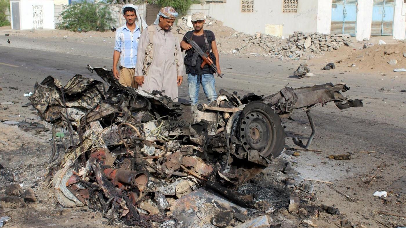 Yemen, kamikaze ad Aden: 65 morti, l'Isis rivendica