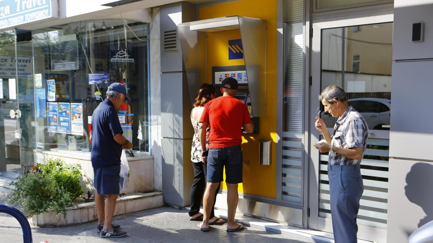 Palazzo Chigi chiarisce: Nessuna ipotesi dimezzamento bancari