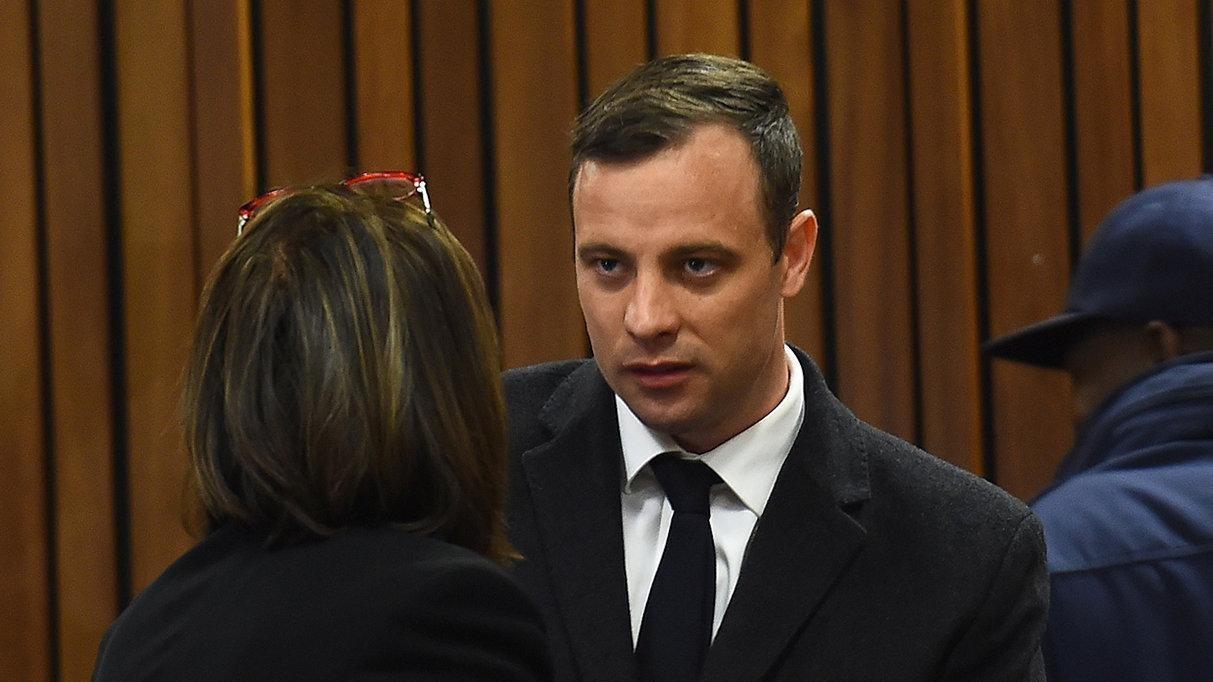Oscar Pistorius: Sento l'odore del sangue di Reeva e odio me stesso