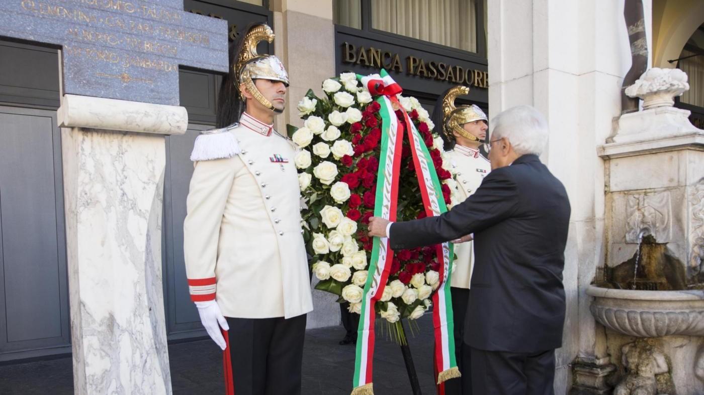 Brescia, Mattarella in piazza Loggia rende omaggio a vittime strage