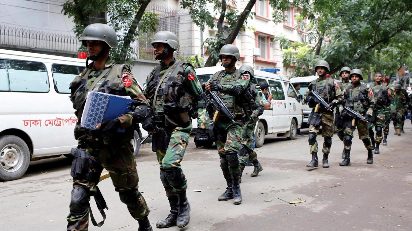 Bangladesh, uccisi nove jihadisti legati alla strage di Dacca