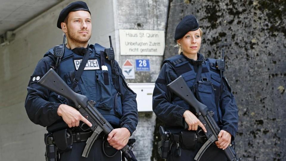 Germania, arrestato 15enne: progettava attacco suicida