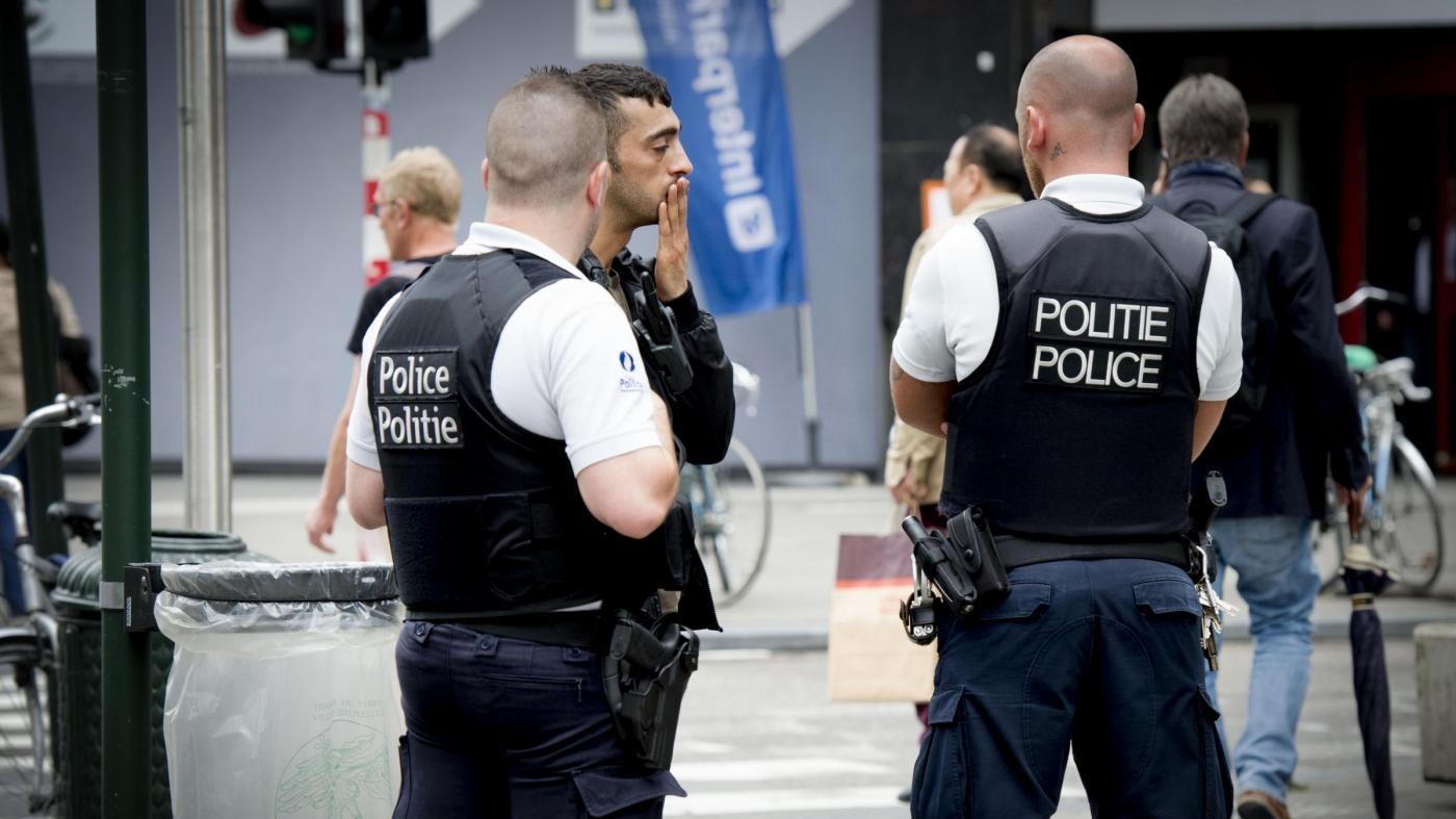 Belgio, arrestati due fratelli: progettavano attacchi nel paese