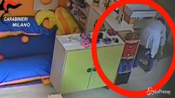 Milano, orrore asilo: bimbi legati con cinghie, due arresti