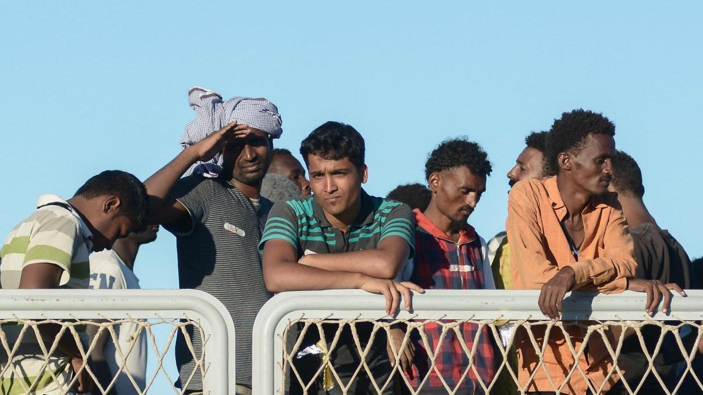 Nascondevano i migranti sui furgoni: 4 in manette tra il Nord e l'estero