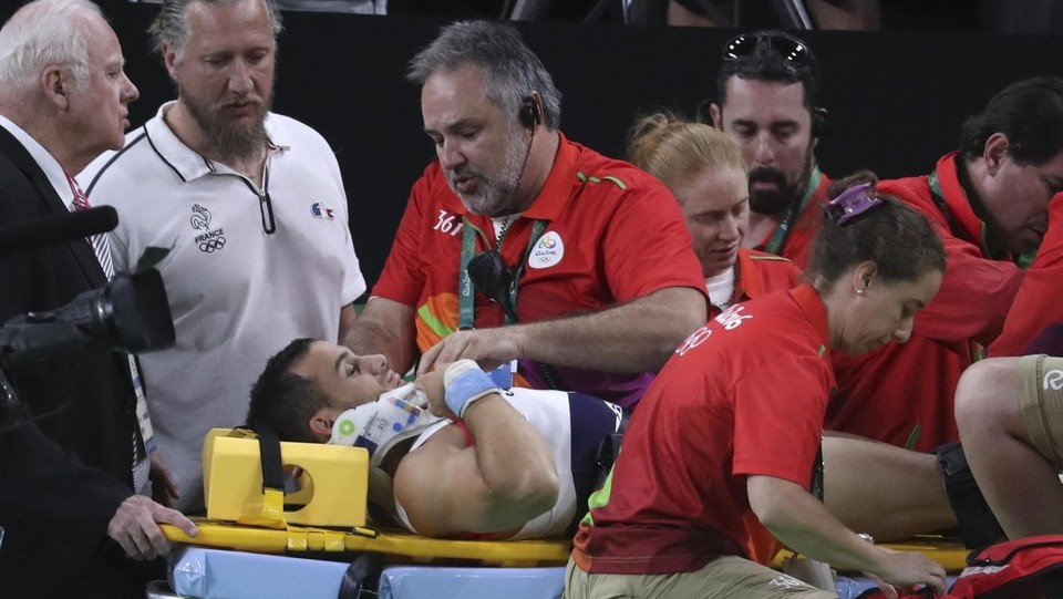 Rio 2016, incidente choc per ginnasta Said: gamba fratturata