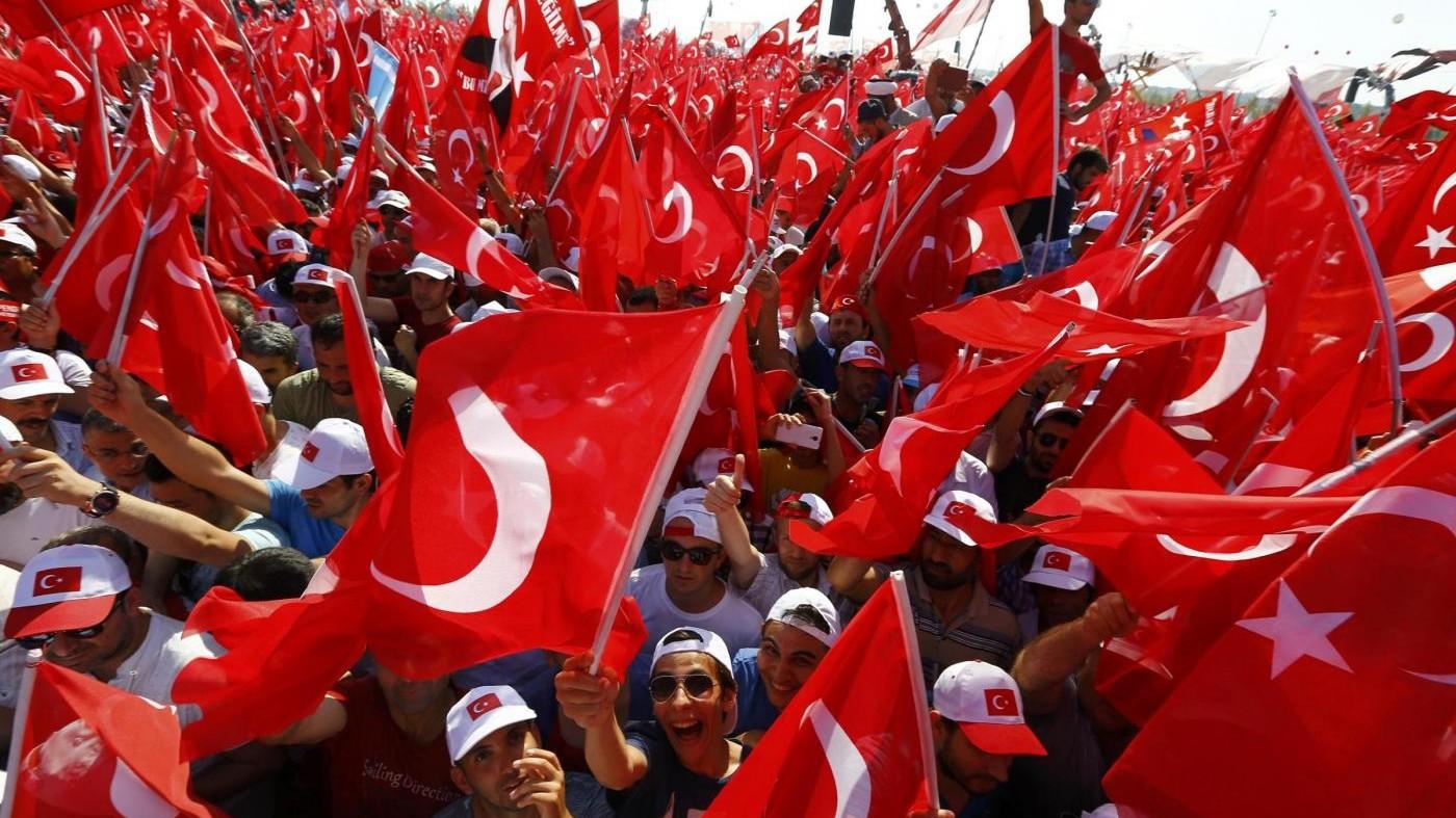 Istanbul, oltre 1 milione di turchi a raduno 'antigolpista'