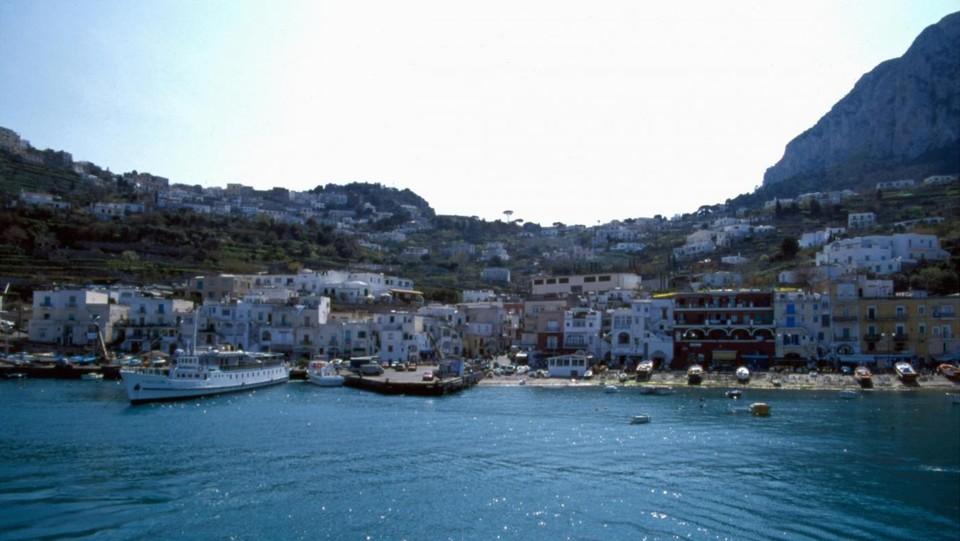 Chiantishire addio, ora gli inglesi vogliono il mare italiano