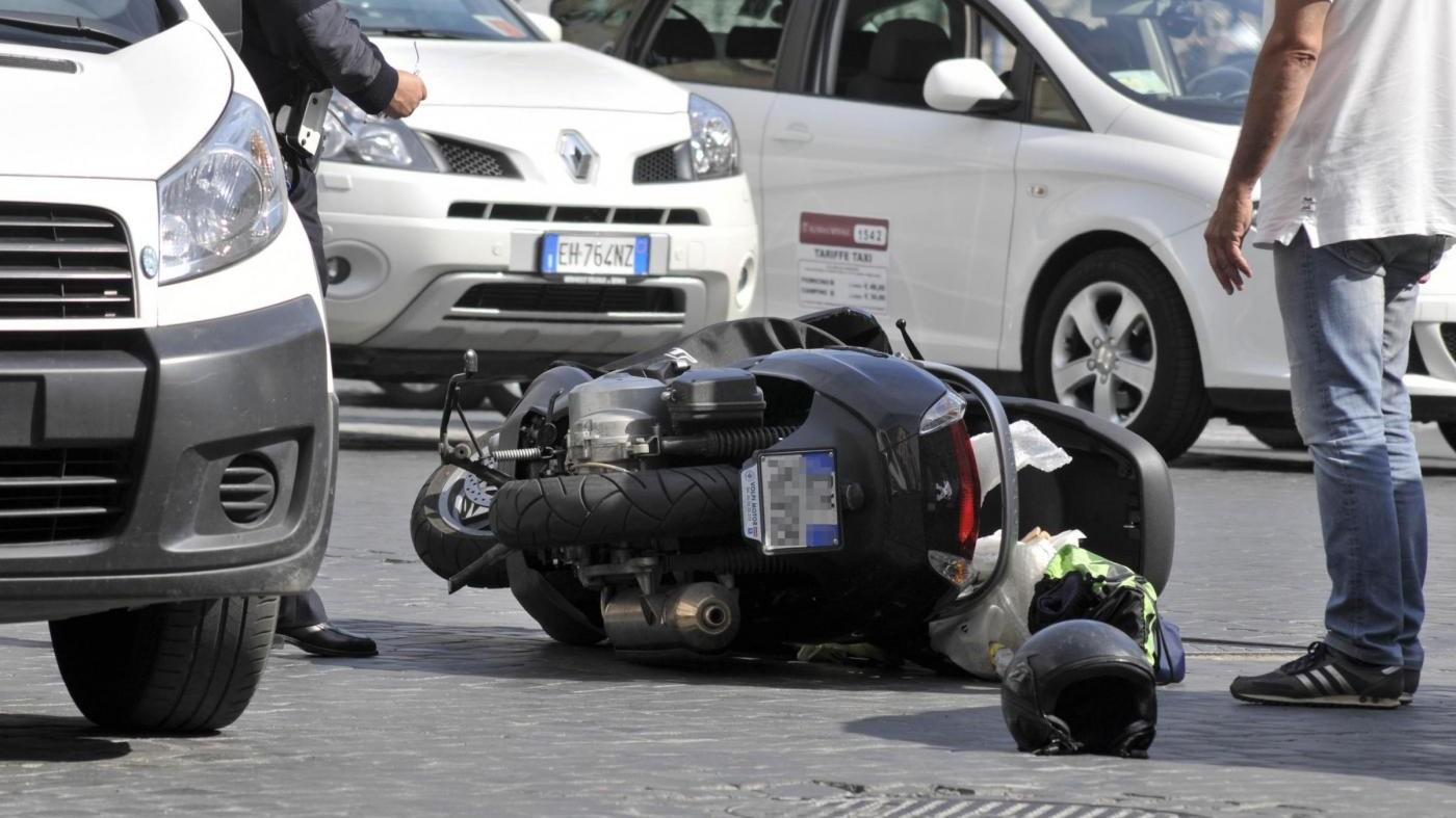 Bologna, incidente sull'A14: morto motociclista