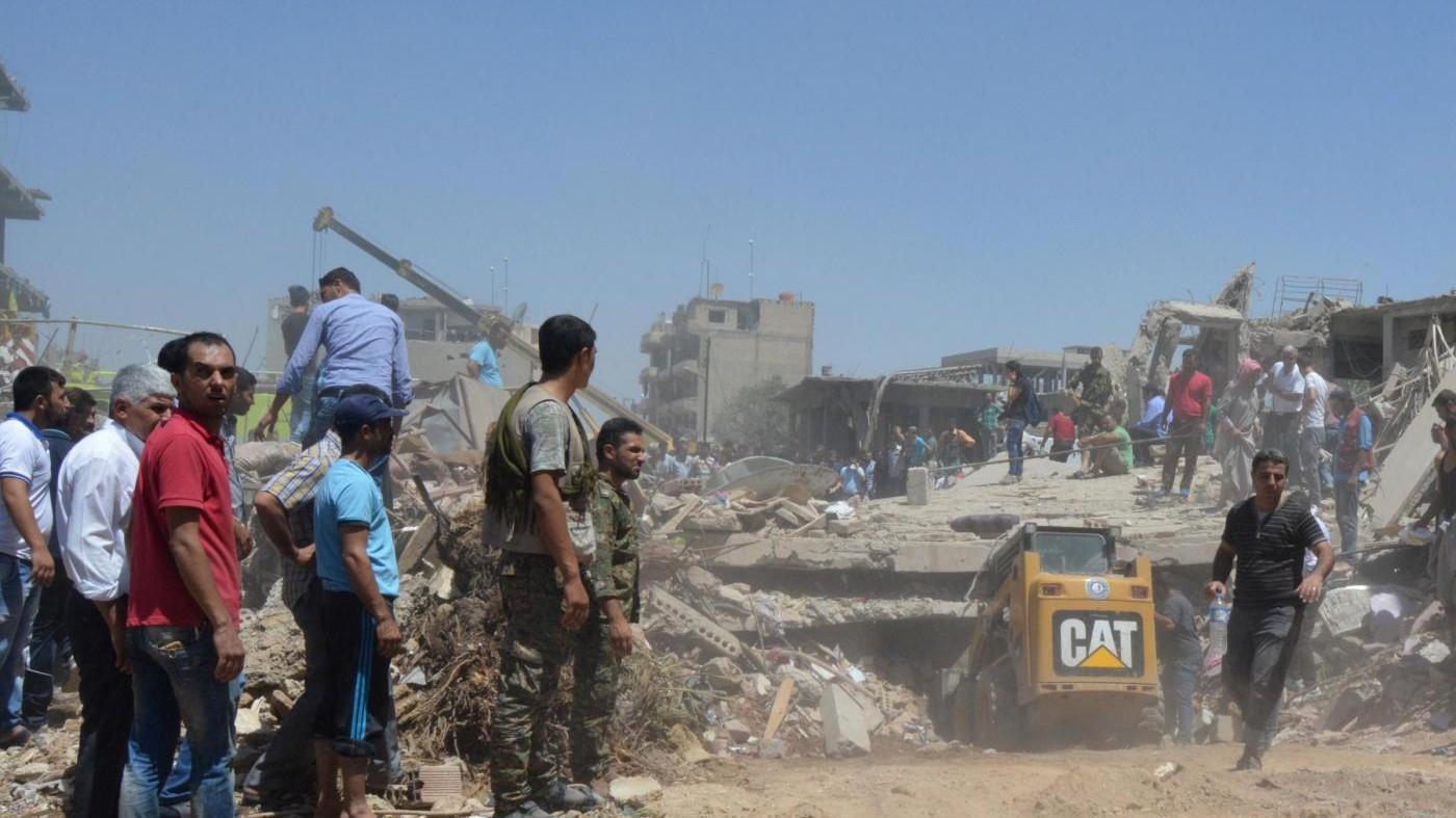 Siria, liberati i 2mila ostaggi usati come scudi umani a Manbji