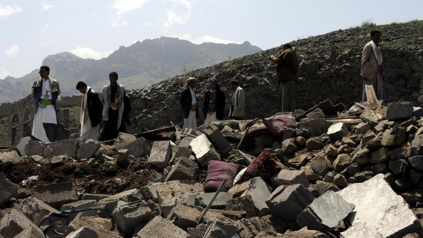 Yemen, raid aereo colpisce scuola: 10 bambini morti, 21 feriti