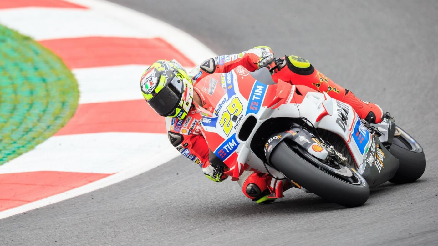 MotoGp, doppietta Ducati in Austria: vince Iannone