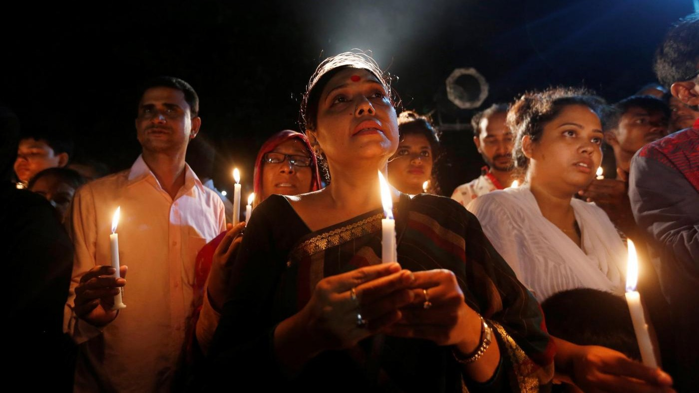 Bangladesh, lo liberano ma non abbandona le amiche: ucciso