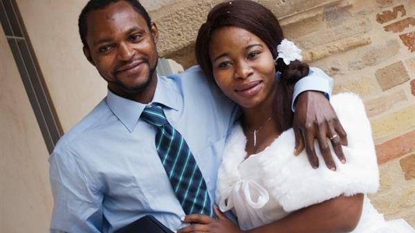 Fermo, difende moglie da insulti razzisti: profugo ucciso da ultrà