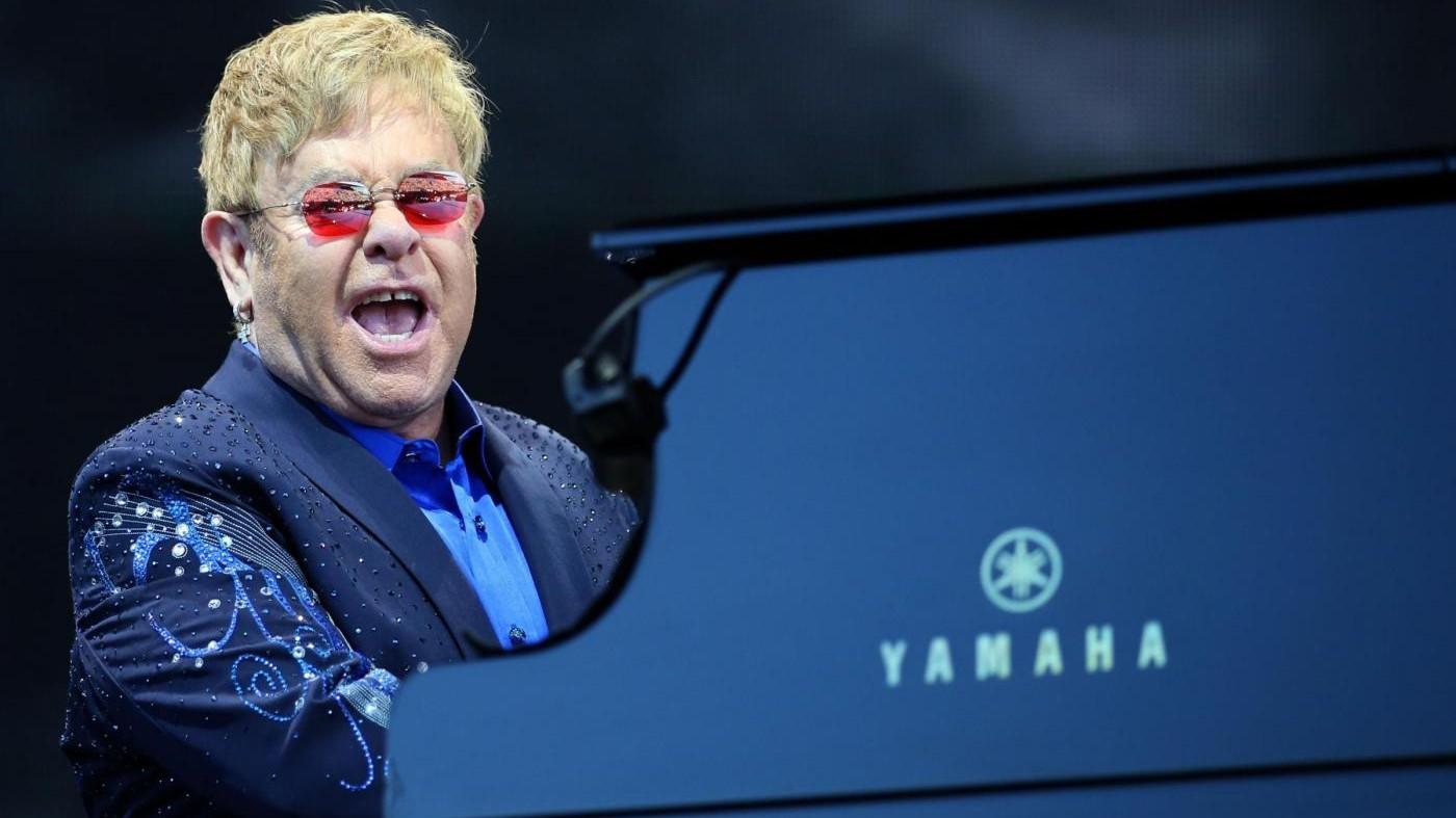 Questa sera Elton John live a Pompei: anche diretta su Radio2
