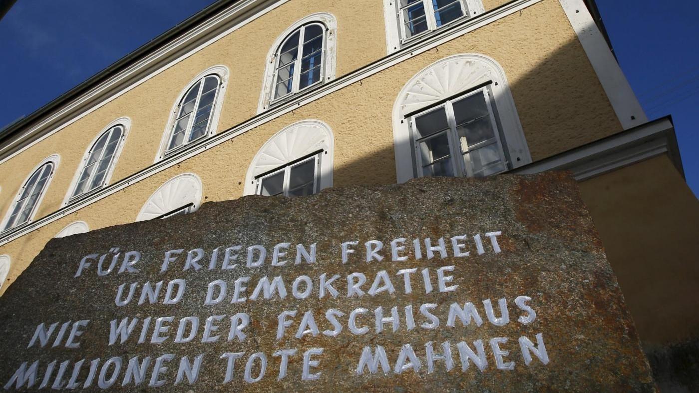 Austria esproprierà casa natale di Hitler: sarà demolita