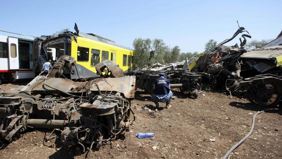 Scontro treni, Mattarella a Bari. Pm: Errore umano? Riduttivo