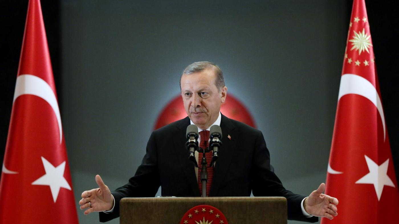 Turchia, Erdogan chiede a Usa di estradare Gulen: Ha ispirato golpe