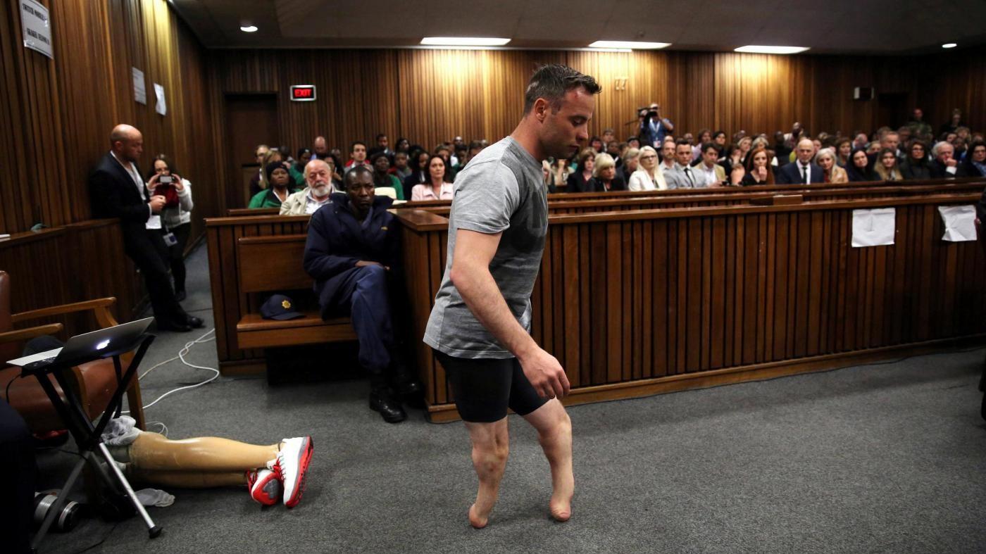 Pistorius, procuratori fanno ricorso: pena di 6 anni troppo lieve