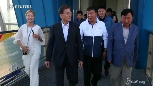 Sud Corea: Moon Jae-in visita la sede delle Olimpiadi invernali 2018