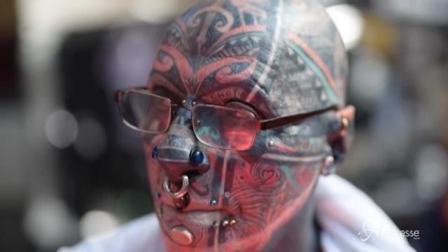 A Berlino riuniti gli amanti dei tatuaggi