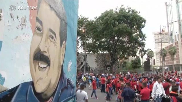 In Venezuela in piazza per Maduro