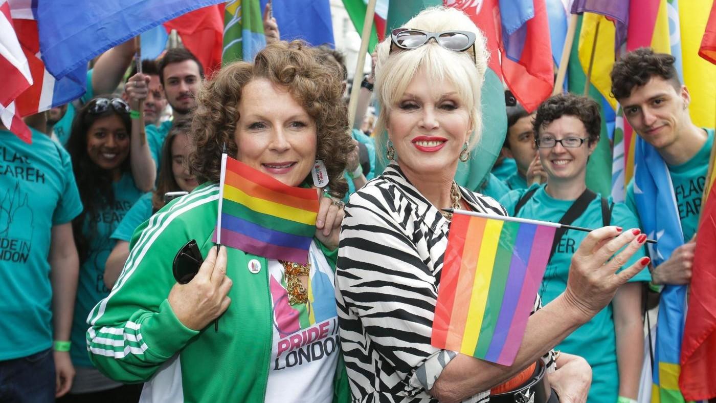 Brexit, bandiere Ue al Gay pride di Londra
