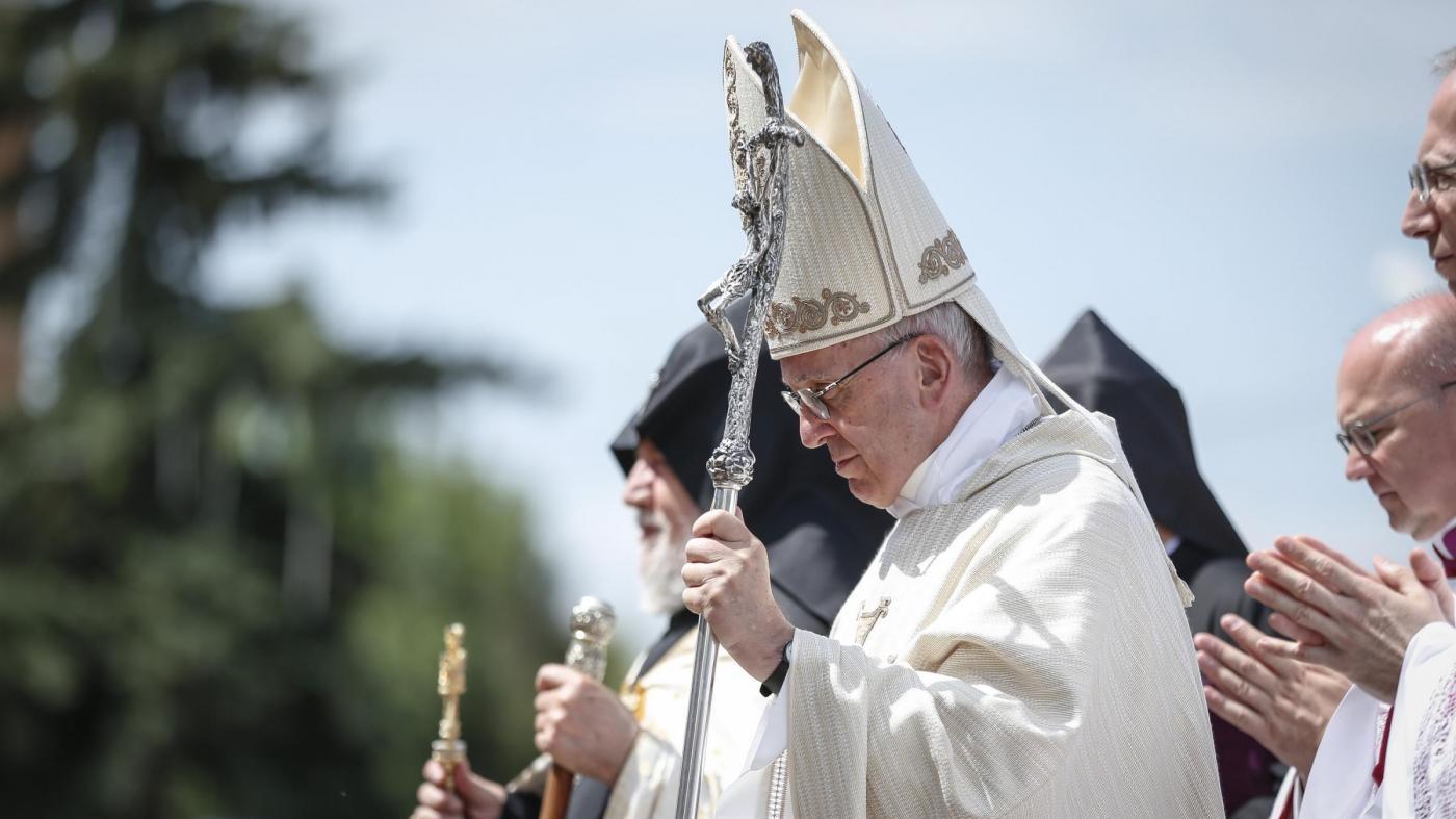 Papa in Armenia: Vostro folle sterminio brucia il cuore