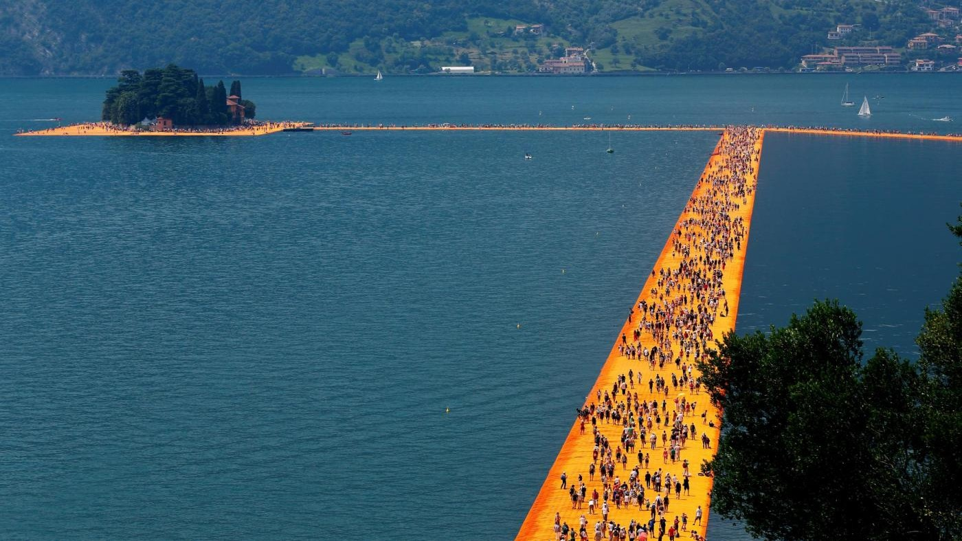 E' boom code per The Floating Piers