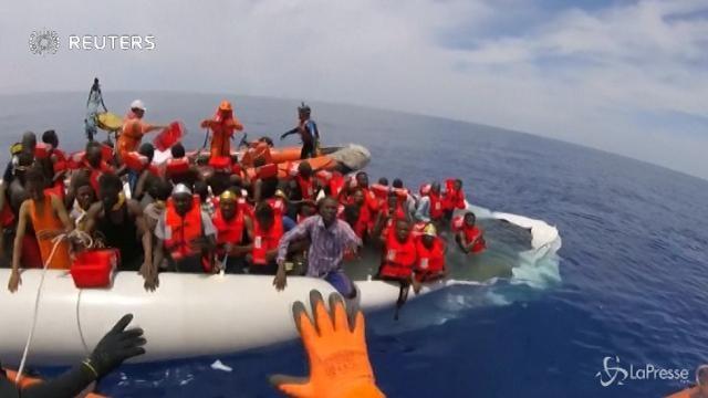 "Migranti, Msf: ""Sospendiamo i soccorsi"""