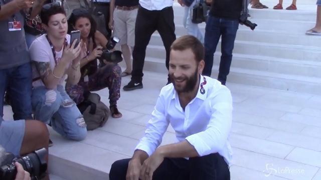 Sbarcato a Venezia Alessandro Borghi, 'padrino' del festival