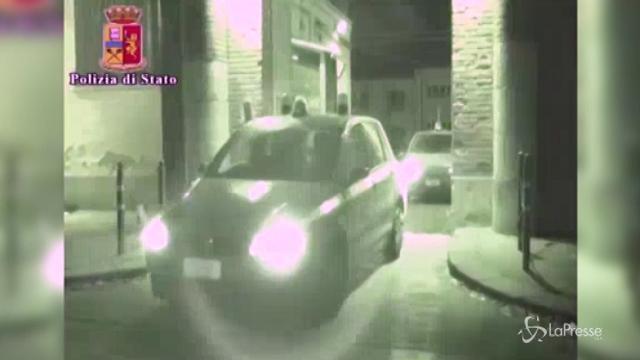 VIDEO Caccia al commando dell'assalto in autostrada a Pisa