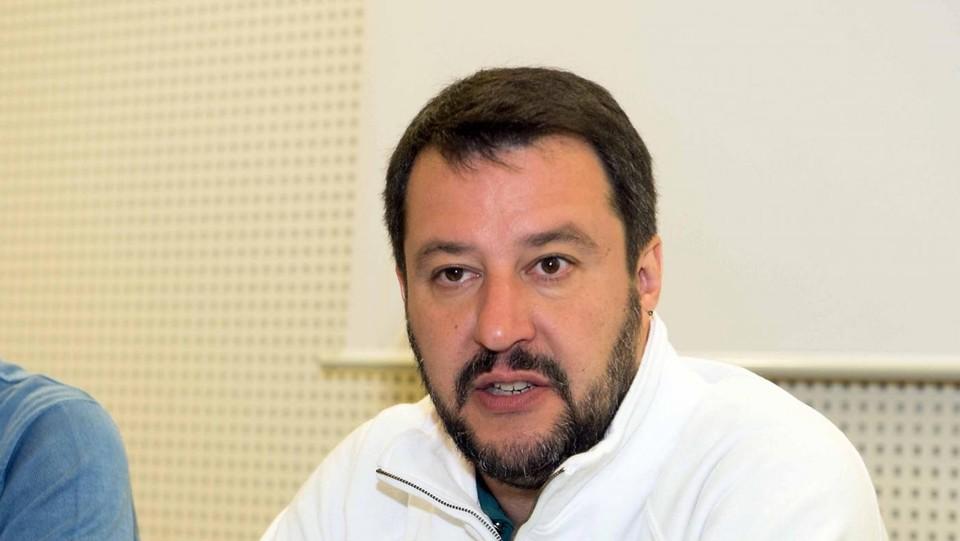 Salvini: In una paese normale Visco dovrebbe essere in galera