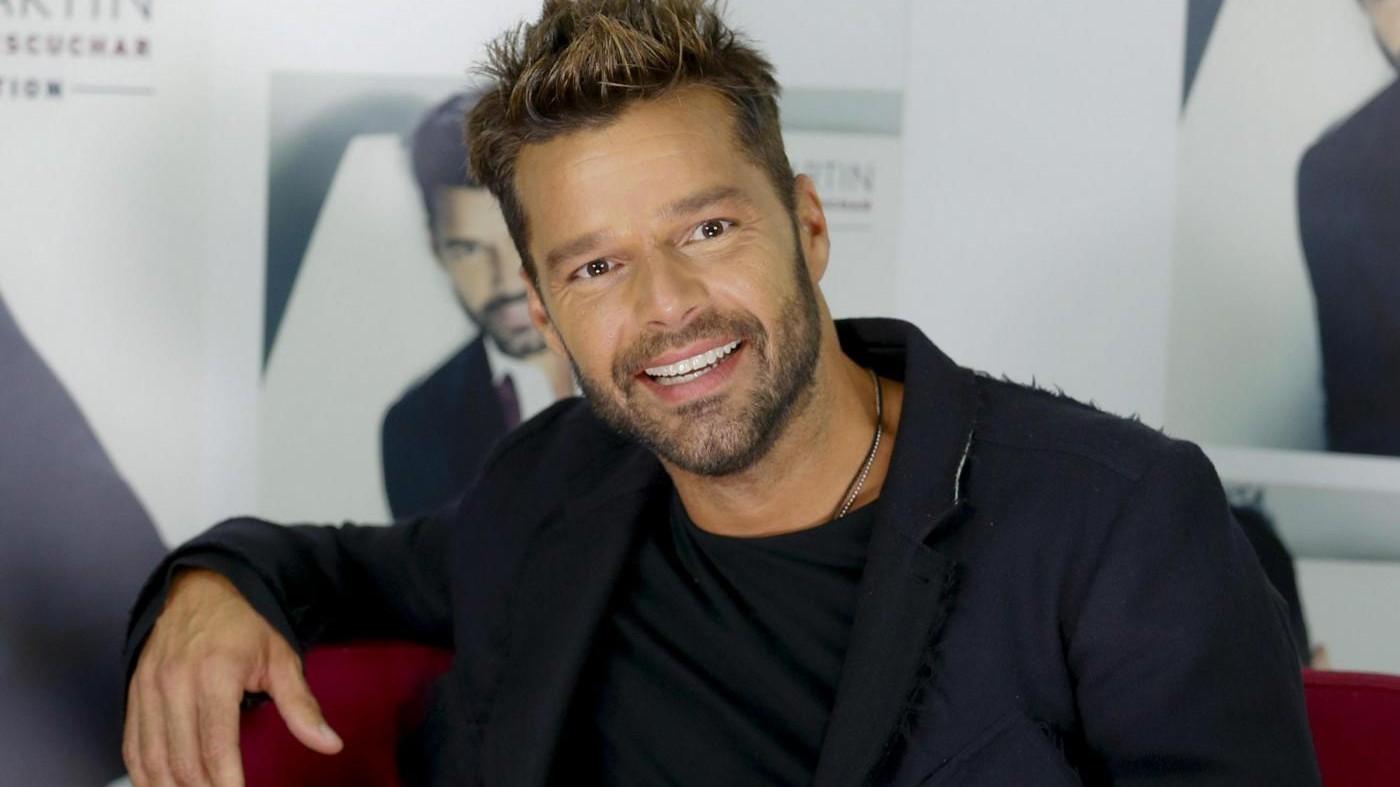 Libano, Ricky Martin visita i bimbi siriani
