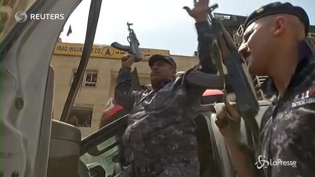 Mosul riconquistata: festeggiano i soldati iracheni