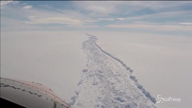 Antartide, si stacca iceberg più grande della Liguria