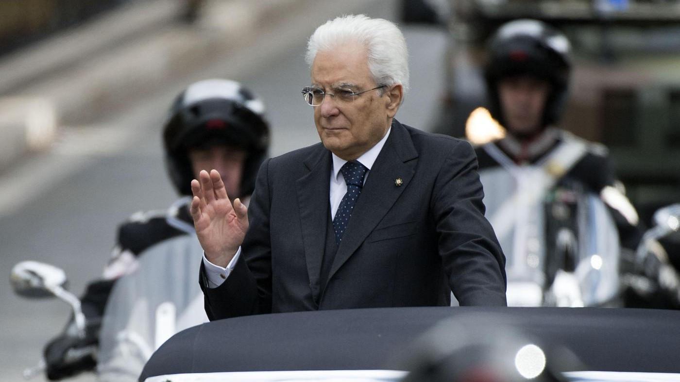Mattarella: Italia sta gradualmente ripartendo, avanti con riforme