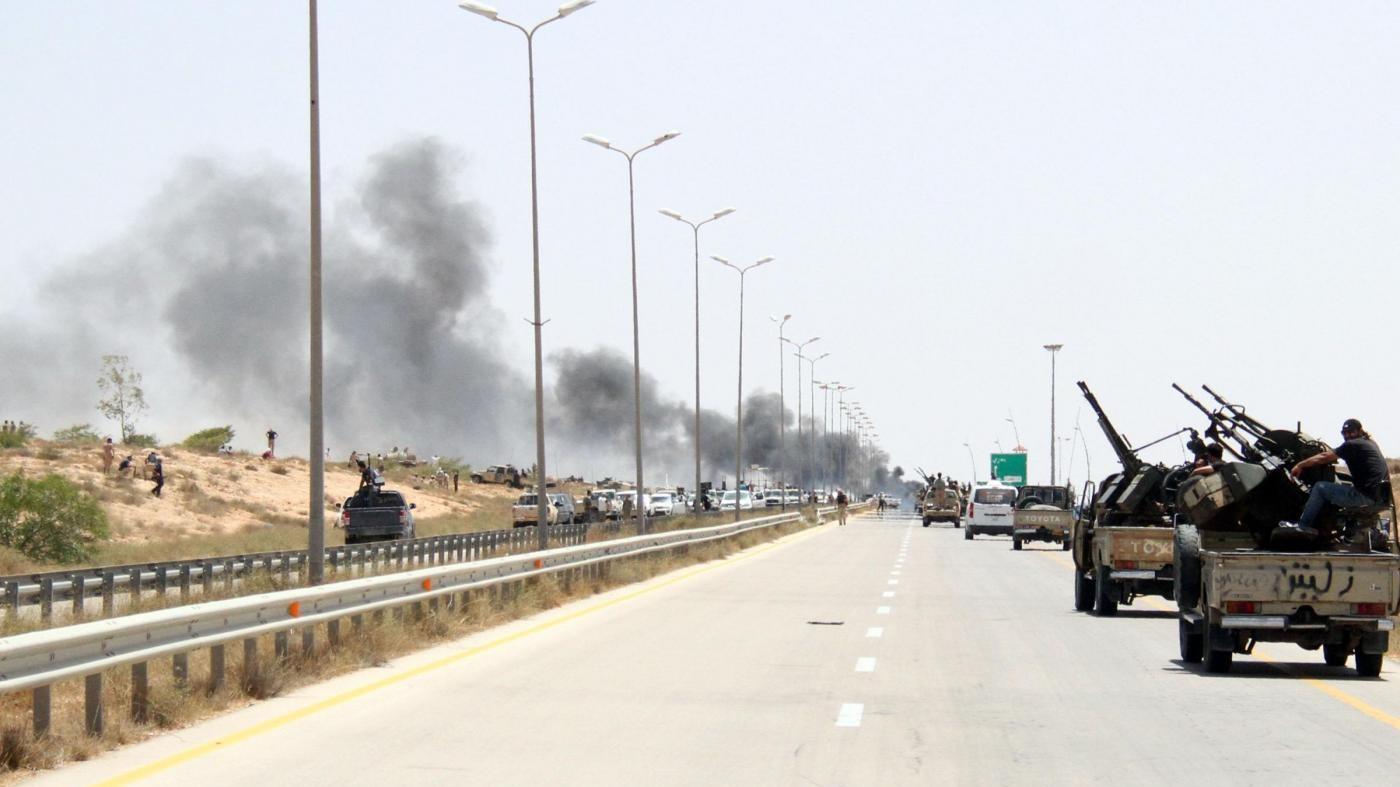 Libia, governo unità nazionale libera porto di Sirte dall'Isis