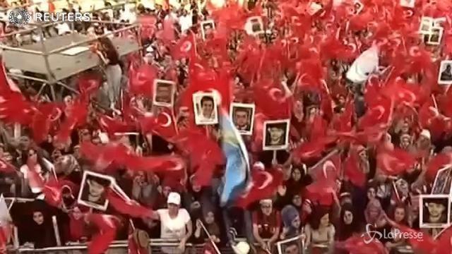 VIDEO Turchia, a Istanbul la 'Marcia di unità nazionale' pro Erdogan