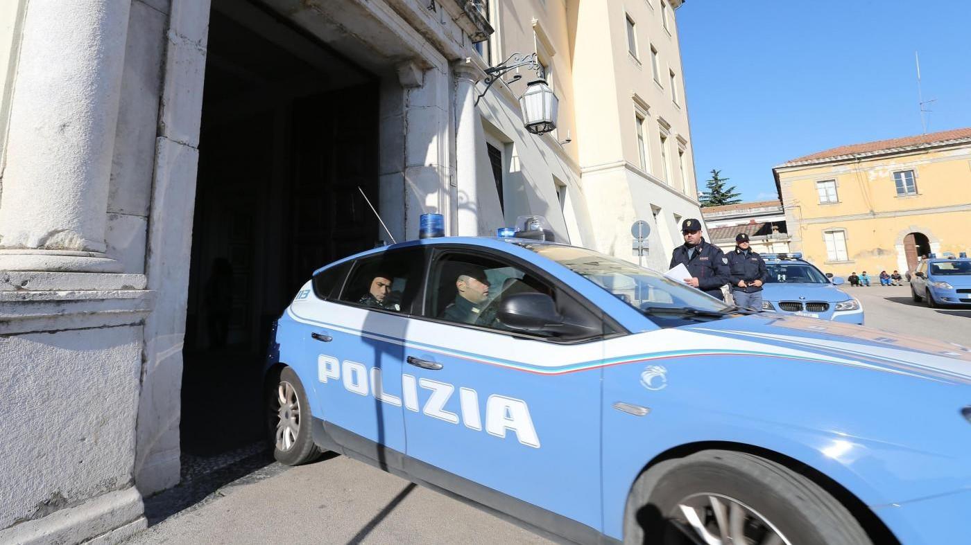 Roma, con una calibro 38 a Pomezia: arrestati in tre