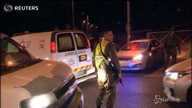 Tre israeliani uccisi a coltellate in una colonia in Cisgiordania