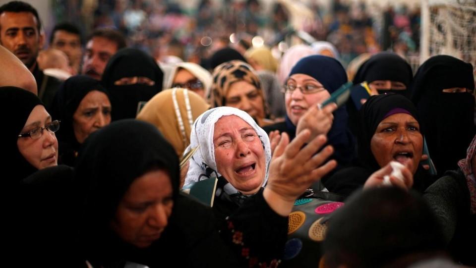 Riaperto il valico di Rafah per 48 ore: migliaia in coda da Gaza