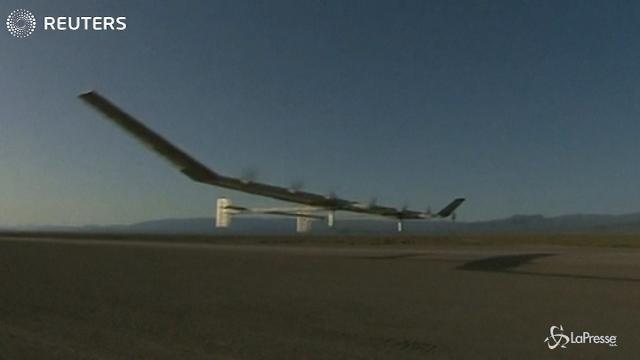 """Il primo aereo """"solare"""" senza pilota"""