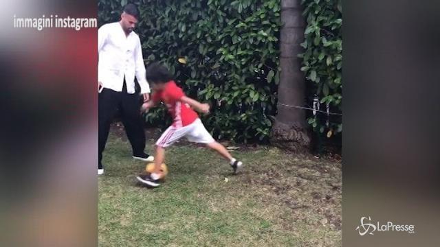 VIDEO – Andrea Petagna gioca a calcio con Briatore jr