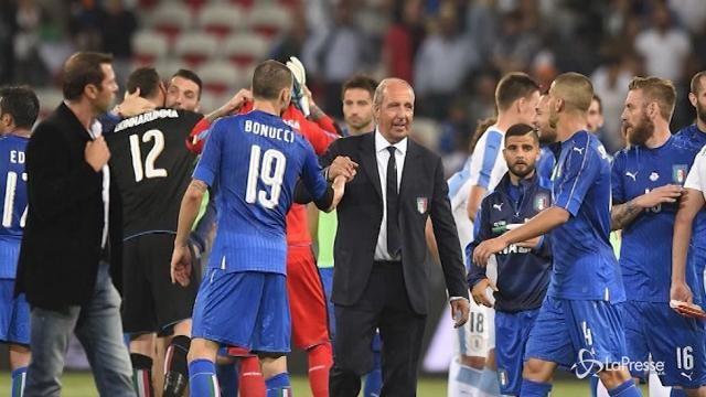Calcio: l'Italia batte 3-0 l'Uruguay